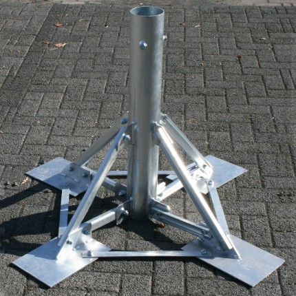Stahlfundament für Fahnenmast